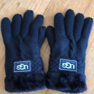 Black cable stitch gloves.